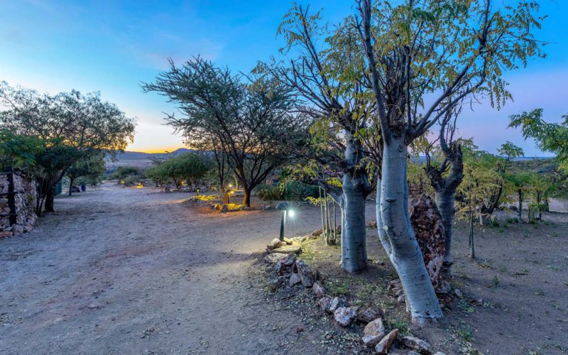 Trans Kalahari Inn situated between Windhoek and her International airport offer great accommodation, restaurant and more all in peaceful Namibian surroundings.